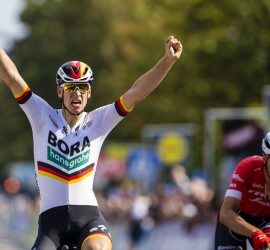 BRUSSEL, BELGIUM - SEPTEMBER 1 :  ACKERMANN Pascal (GER) of Bora - Hansgrohe celebrates as he wins before STUYVEN Jasper (BEL) of Trek - Segafredo during the Brussels Cycling Classic 2018  with start and finish in Brussels on September 01, 2018 in Brussel, Belgium, 1/09/2018 ( Photo Gregory Van Gansen / Photonews )
